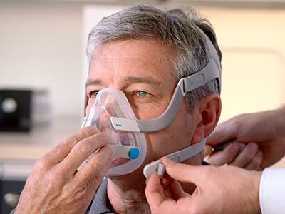 volgelaats-CPAP-masker-slaapapneu-patiënten-ResMed