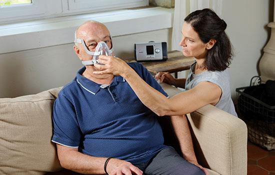 thuis-niet-invasief-beademing-COPD-dokter-patiënt