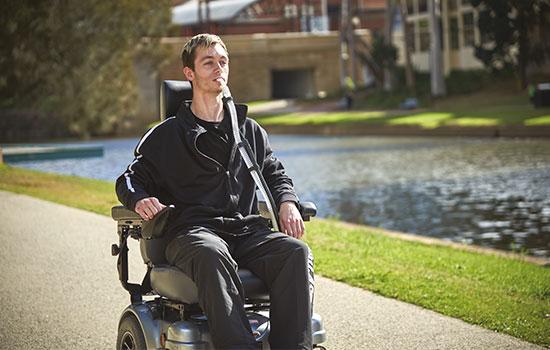 spierziekten-patiënt-rolstoel